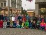 Baumschmücken durch Primarschüler und Kindergarten aus Zofingen